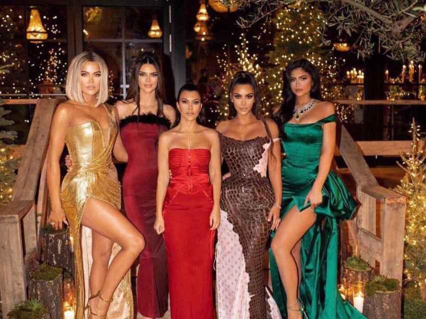 Las hermanas Kardashian-Jenner durante la fiesta de Navidad.