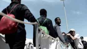 Inmigrantes llegando a Valencia, ciudad de acogida.
