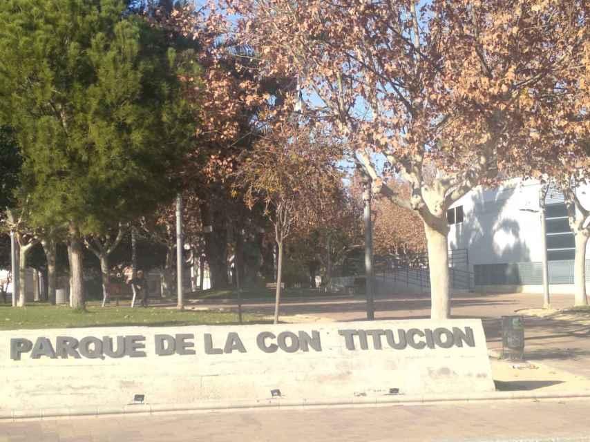 Parque de la Constitución de Las Torres de Cotillas donde los siete jóvenes le maniataron.