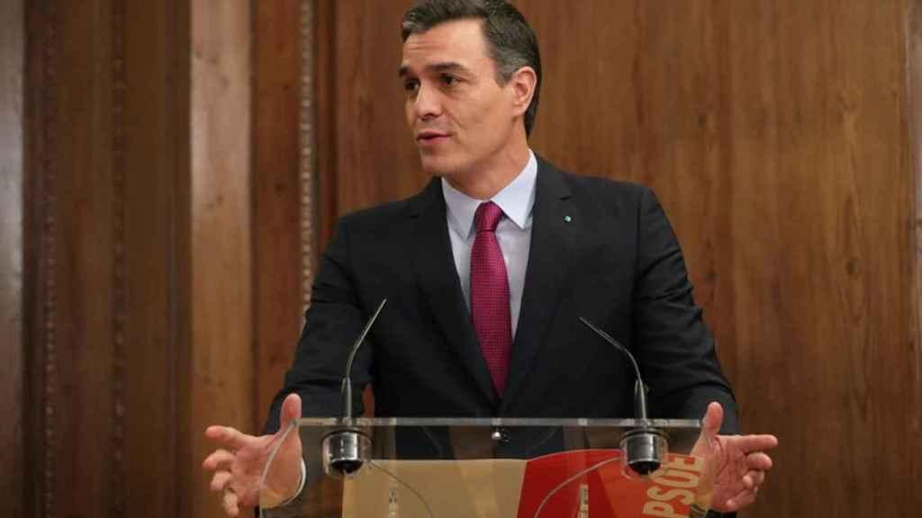 Pedro Sánchez durante el acto de firma del acuerdo programático con Podemos.