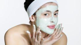Cómo tratar tu rostro sin necesidad de manos expertas ni trucos caros.