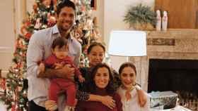 Ana Boyer, junto a Verdasco, Preysler, Tamara y el pequeño Miguel.