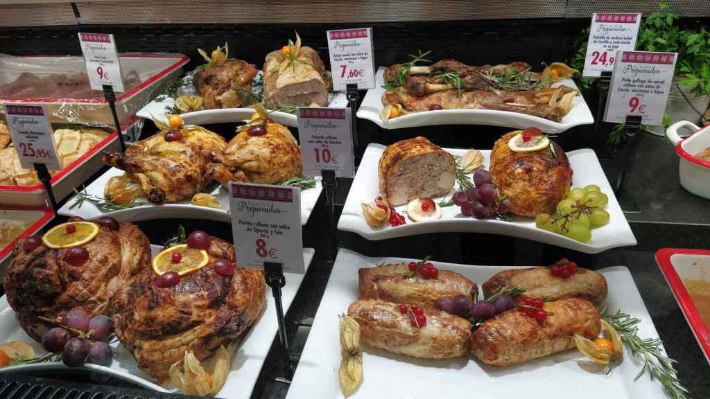 Varios platos, pensados para Nochebuena y Nochevieja, en el stan de 'Platos Preparados' de El Corte Inglés.