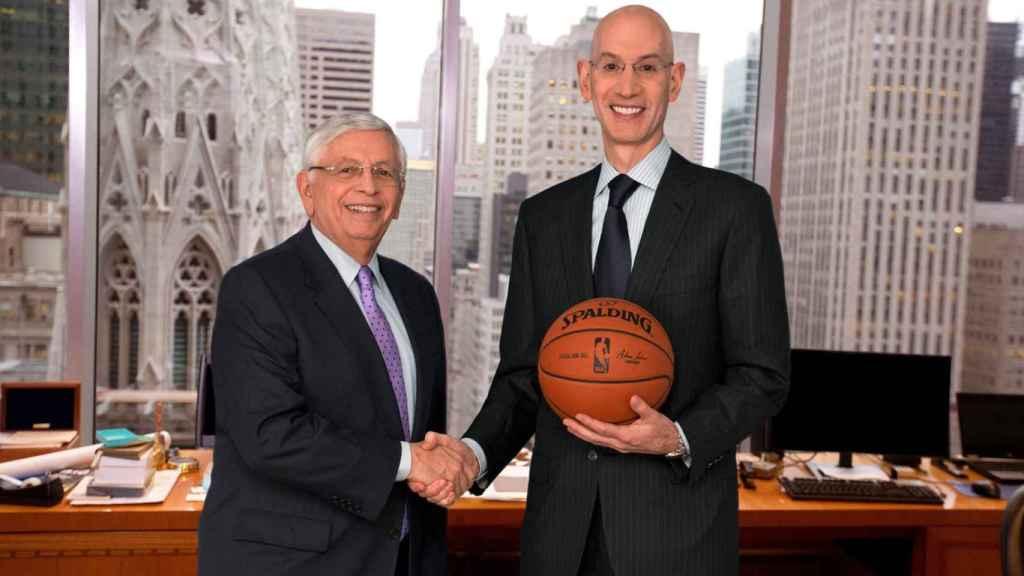 David Stern y Adam Silver en el momento del relevo en el Comisionado de la NBA