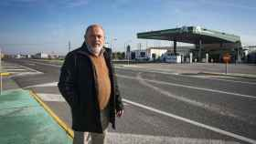 Manuel Cala, empresario de El Cuervo (Sevilla), tiene tres gasolineras en un tramo de 21 kilómetros de la carretera N-IV. REPORTAJE GRÁFICO: Marcos Moreno