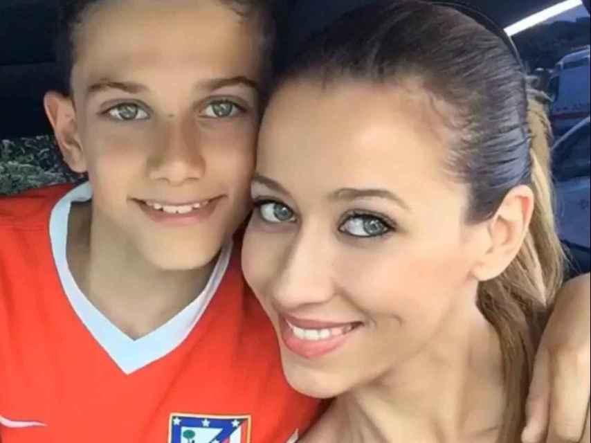 Ana y Jose, cuando el niño jugaba en el Atlético de Madrid