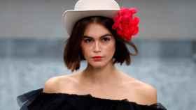 Modelo en uno de los desfiles de Chanel del pasado verano.