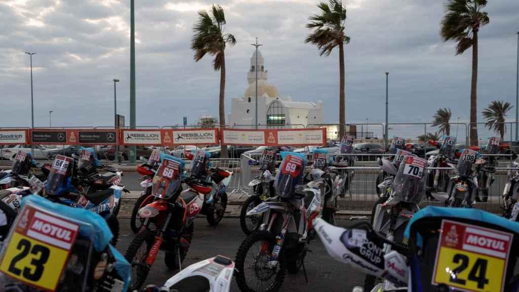 Las motos, antes de la salida
