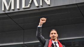Zlatan Ibrahimovic, en su presentación con el Milan