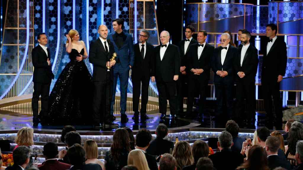 El reparto de Succession recoge el Globo de Oro.