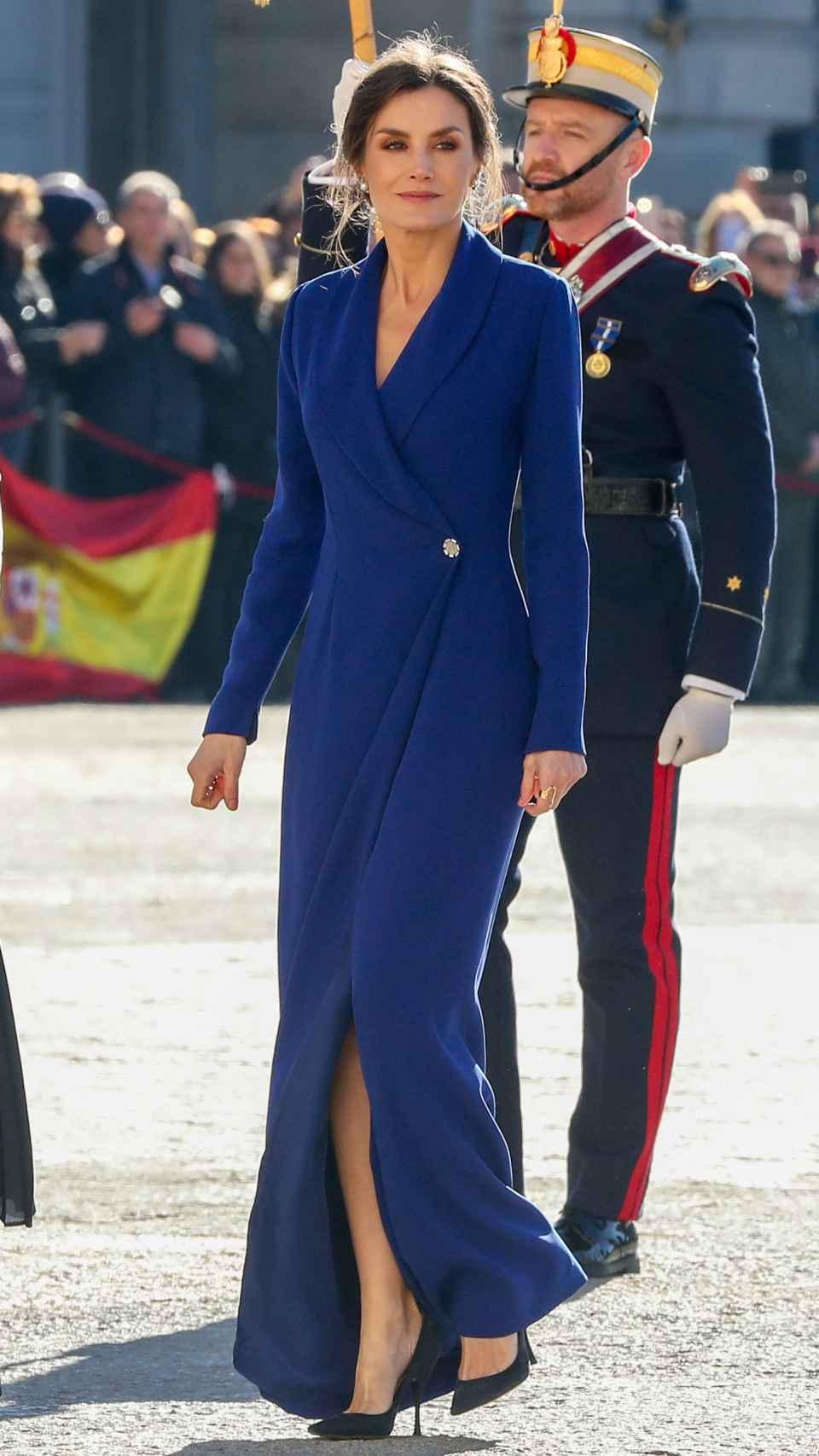 Letizia y la abertura de su falda.