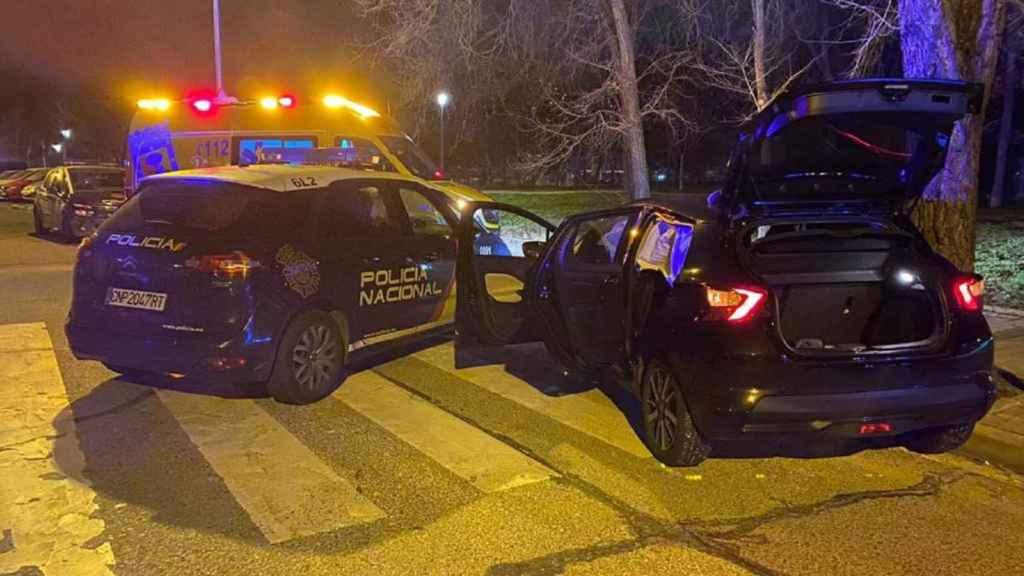 El coche del secuestro, interceptado por la Policía Nacional.