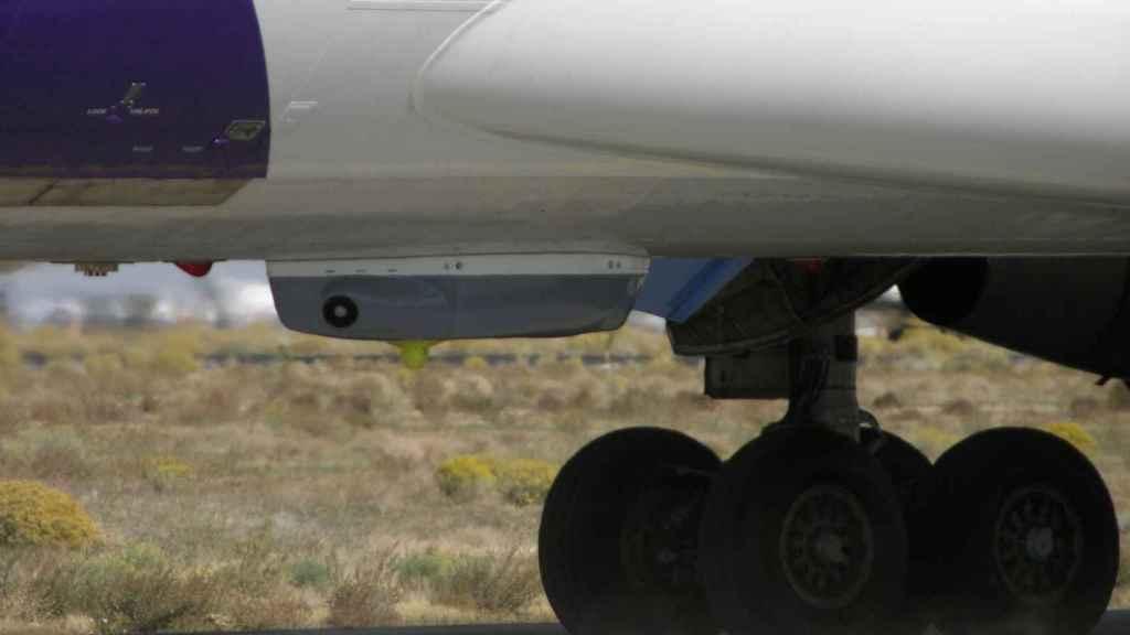 Northrop Grumman Guardian instalado en la panza de un avión
