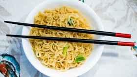 El arte de comer con palillos chinos