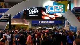 Attendees fill the lobby of the Las Vegas Convention Center during the 2020 CES in Las Vegas