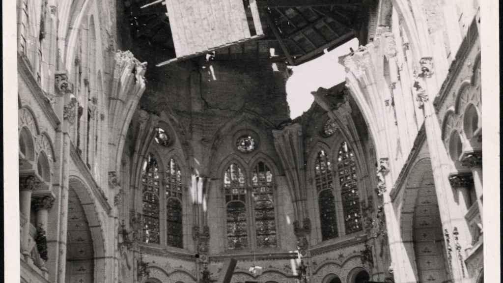 Destrozos que el bombardeo ocasionó en la iglesia de Jesuitas de Durango (1937).