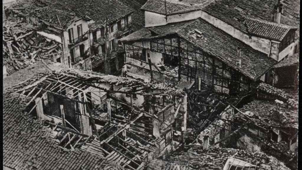 Vista de Durango desde la torre de Santa María (1937).