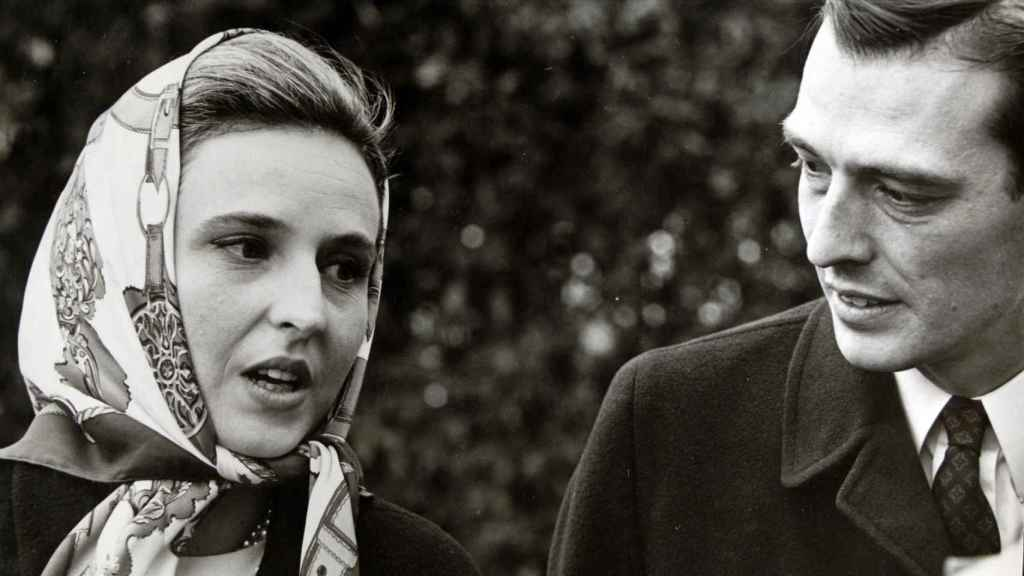 La infanta Pilar de Borbón y Luis Gómez-Acebo.