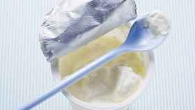Un yogur listo para ser consumido.