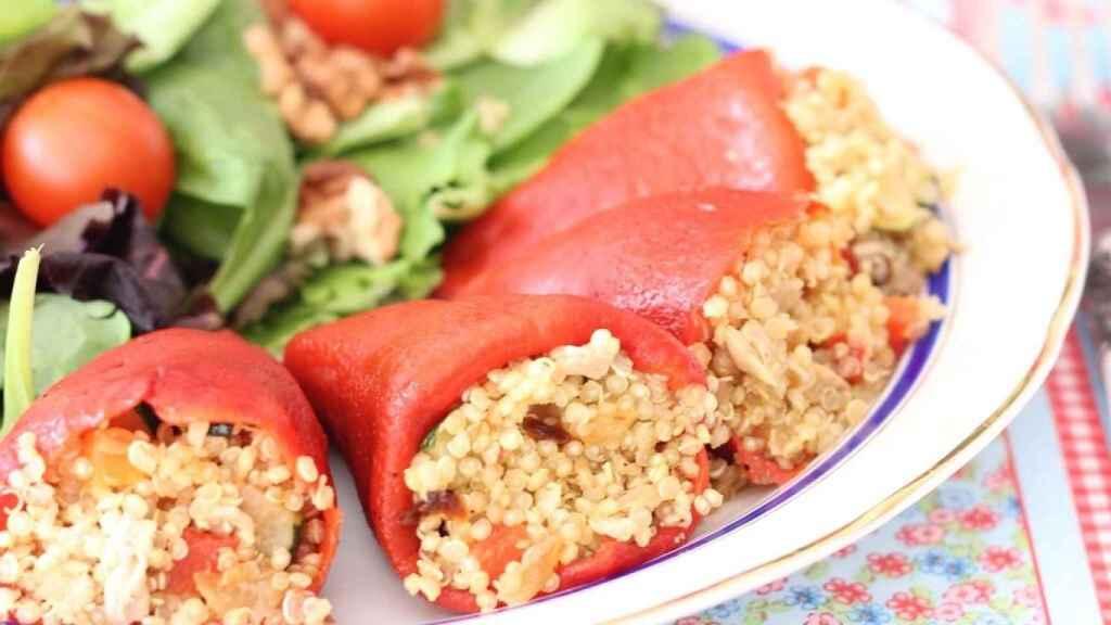 Pimientos rellenos de quinoa, receta para comer sano y disfrutar