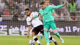 Valverde junto a Coquelin, durante un momento del partido