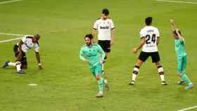 Isco Alarcón celebra su gol al Valencia