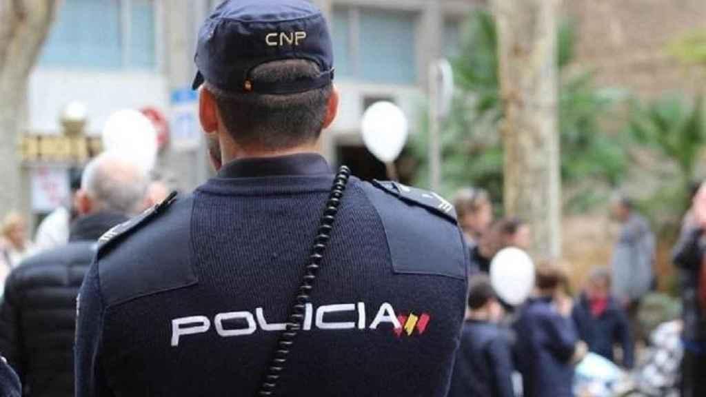 La Policía ya ha detenido a siete jóvenes por la violación; dos ya están en libertad con cargos.