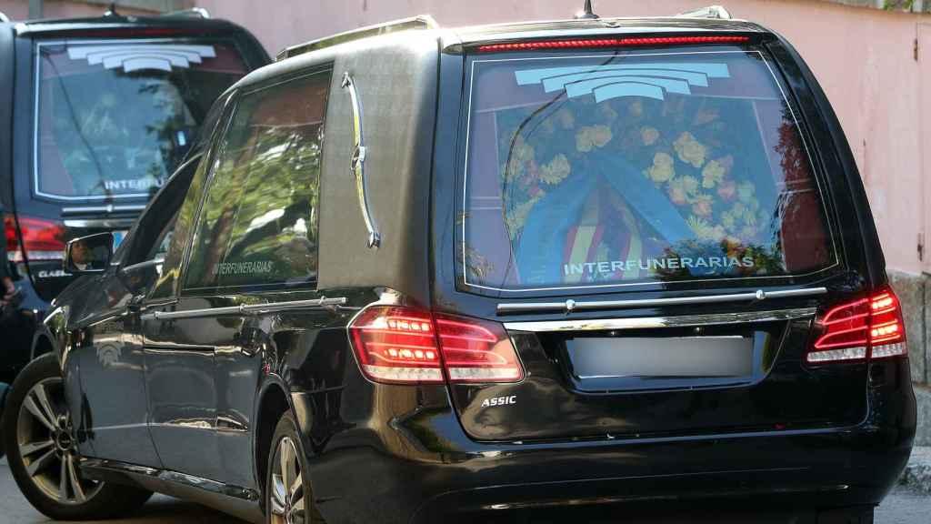 Imagen del momento del traslado de los restos mortales de la infanta Pilar al cementerio de la Almudena.