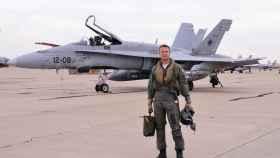 El piloto de combate David G.