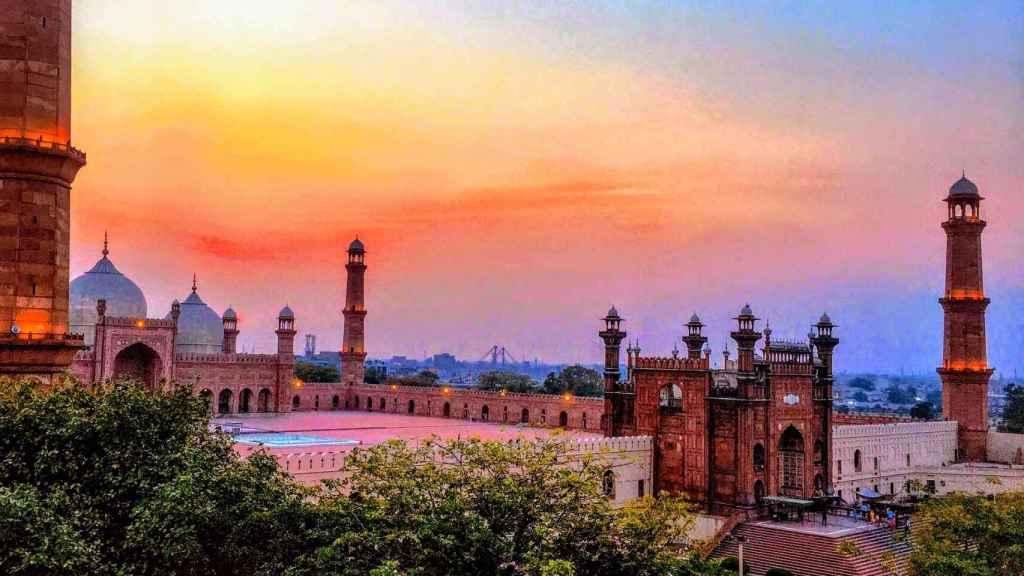 Descubre la ciudad de Karachi.