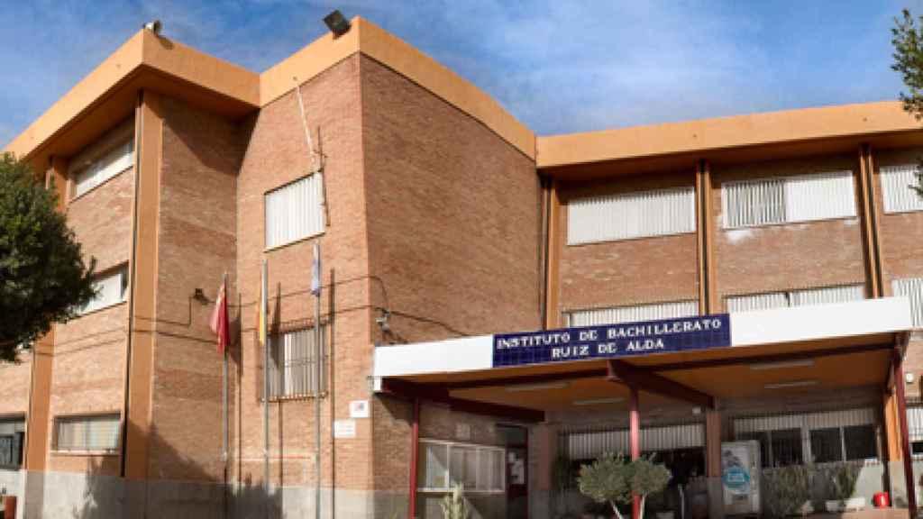 : Fachada del IES Ruiz de Alda de San Javier donde Shakeel cursó Artes Plásticas.