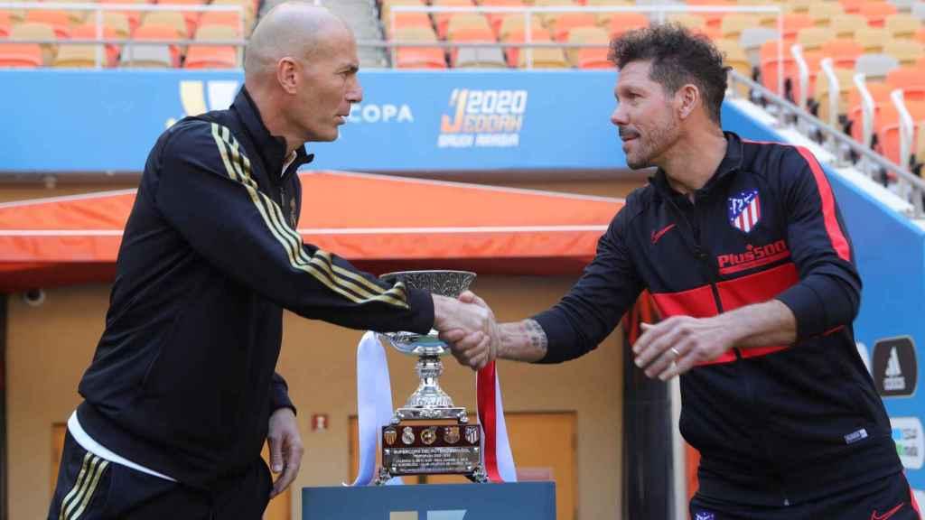 Zidane y Simeone posan antes de la final de la Supercopa