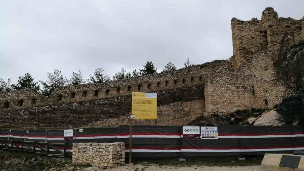 Primer vallado de las obras de emergencia del castillo de Morella.