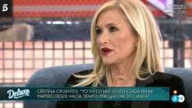 Cristina Cifuentes en una imagen durante la entrevista en 'Deluxe'.