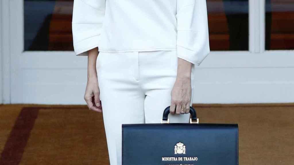 La ministra de Trabajo, Yolanda Díaz, llega para asistir a la primera reunión del gabinete en el Palacio de la Moncloa.