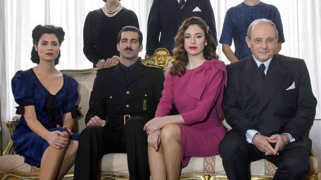 Los actores, en 'Lo que escondían sus ojos'.