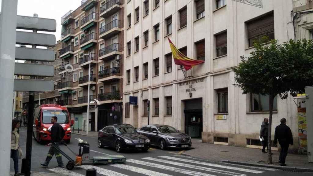 Jefatura de Policía Nacional de la Plaza Ceballos de Murcia, donde se denunció el suceso.