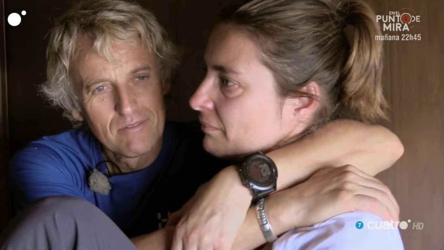 Sandra Barneda junto a Jesús Calleja en Cuatro, rota de dolor tras su confesión.