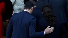 Pedro Sánchez y Pablo Iglesias tras la foto de familia del nuevo Gobierno.