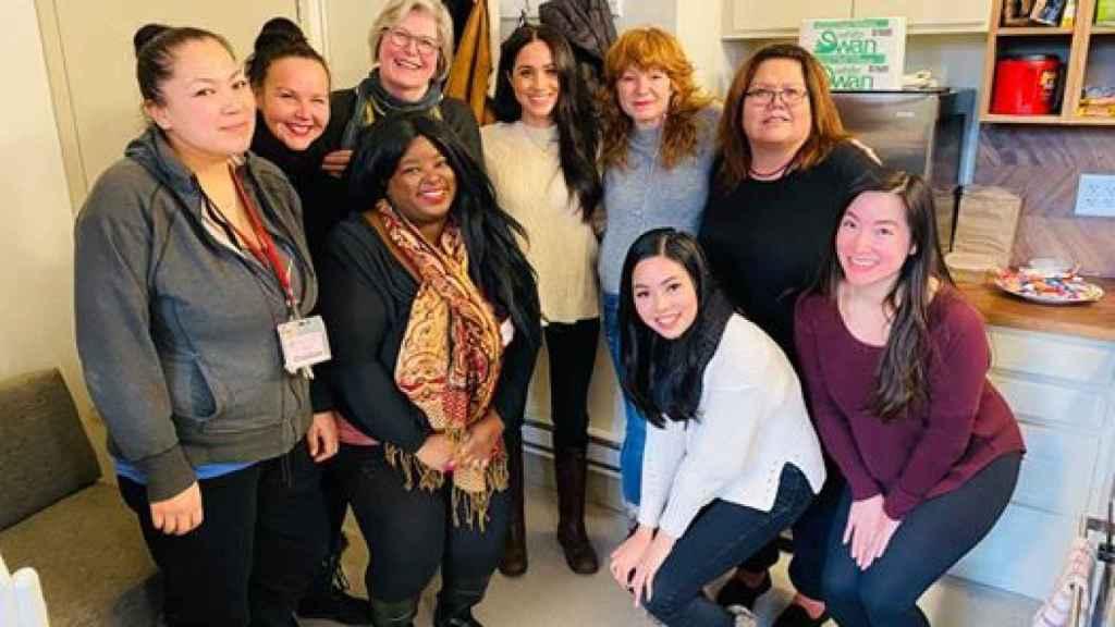 Meghan Markle en su visita a un centro de mujeres en Vancouver.