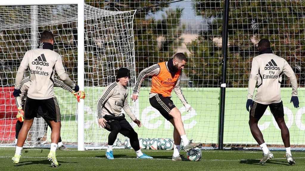 Benzema en el entrenamiento del Real Madrid