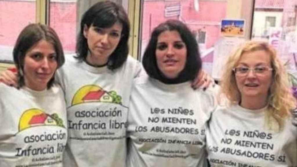 Miembros de Infancia Libre.
