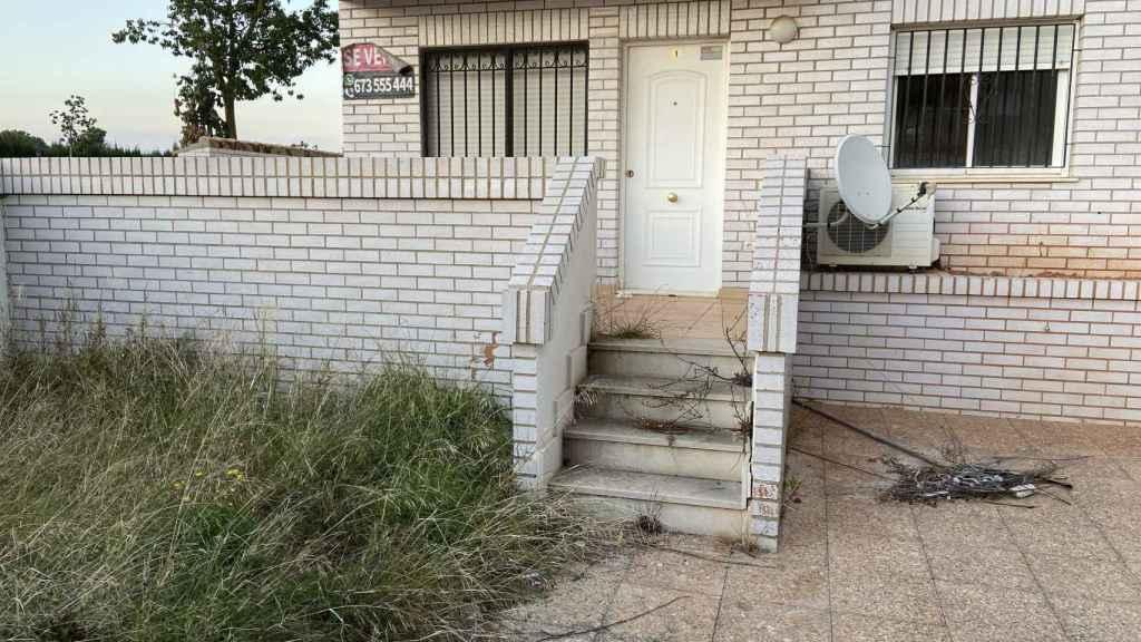 Algunos apartamentos son propiedad de los bancos y están abandonados.