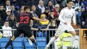 Lucas Vázquez y Reguilón en el Real Madrid - Sevilla de La Liga