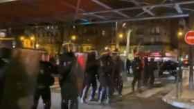 Parte del dispositivo policial desplegado para evacuar a Macron.
