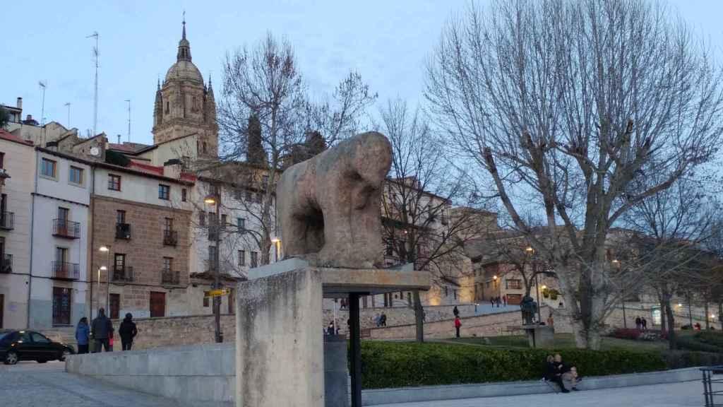 Verraco del puente romano de Salamanca.