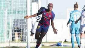 Asisat Oshoala celebra un gol con el FC Barcelona femenino
