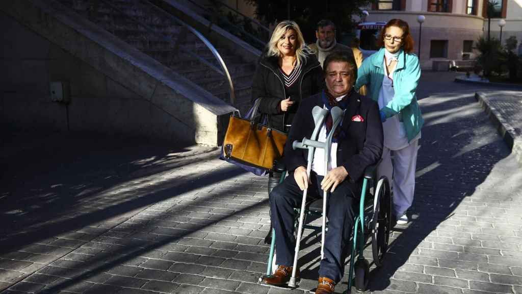 Vicente Ruiz tras abandonar el hospital la semana pasada.