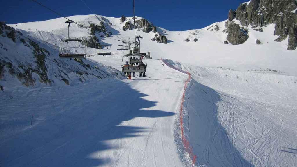 La estación de esquí de San Isidro, donde se dirigía la familia.