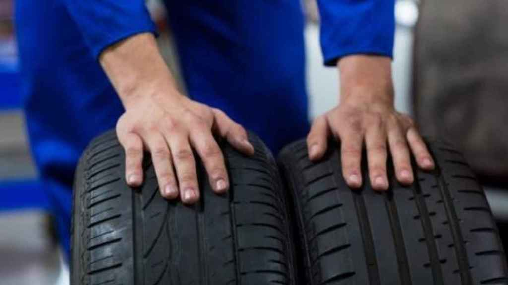 Las ruedas tienen que ser revisadas cada cierto tiempo para que no se produzca el desgaste.